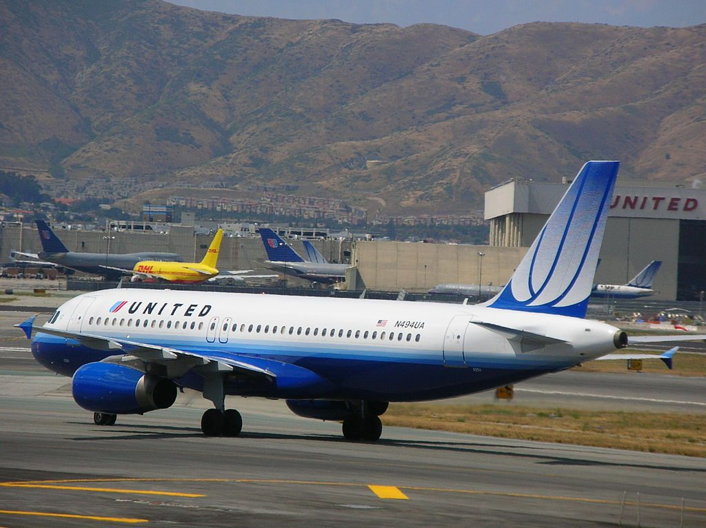 United Airlines Narrow Body Aircraft Airbus A320-232, tail number N494UA, taxiing at San Francisco International Airport (SFO)