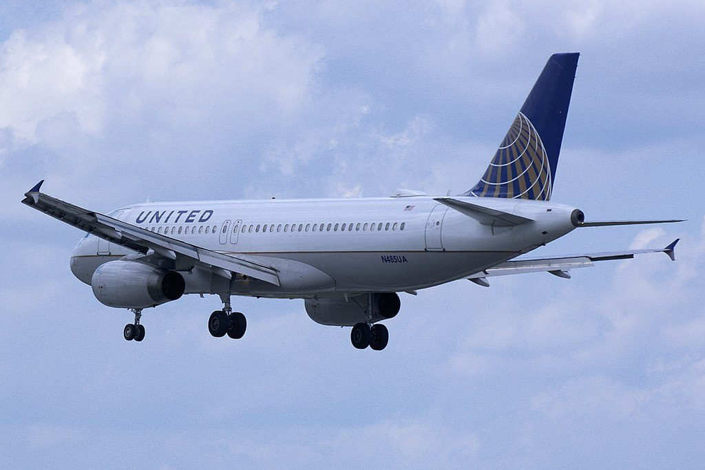 United Airlines Narrow Body Aircraft Fleet Airbus A320-200 reg. N485UA approaching Baltimore-Washington International Thurgood Marshall Airport
