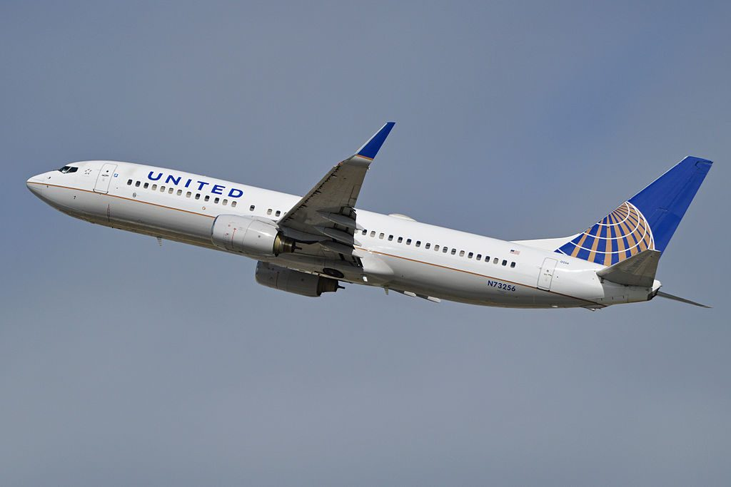 Boeing 737-824(w) 'N73256' United Airlines Fleet departing LAX
