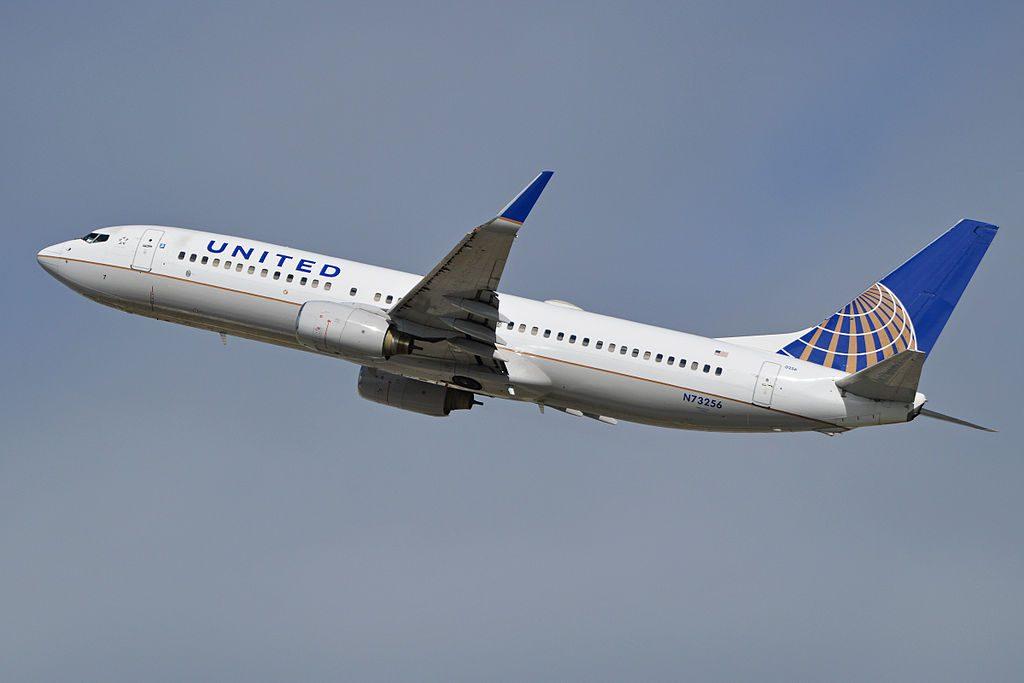 Boeing 737-824(w) 'N73256' United Airlines Fleet departing LAX