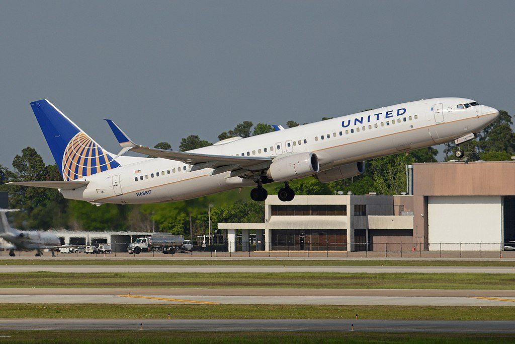 Boeing 737-924ER(w) 'N68817' United Airlines Fleet c:n 42747, l:n 4809. Built 2014. Seen departing on flight UAL1284 to New York (LGA). George Bush Intercontinental Airport, Houston, Texas, United States