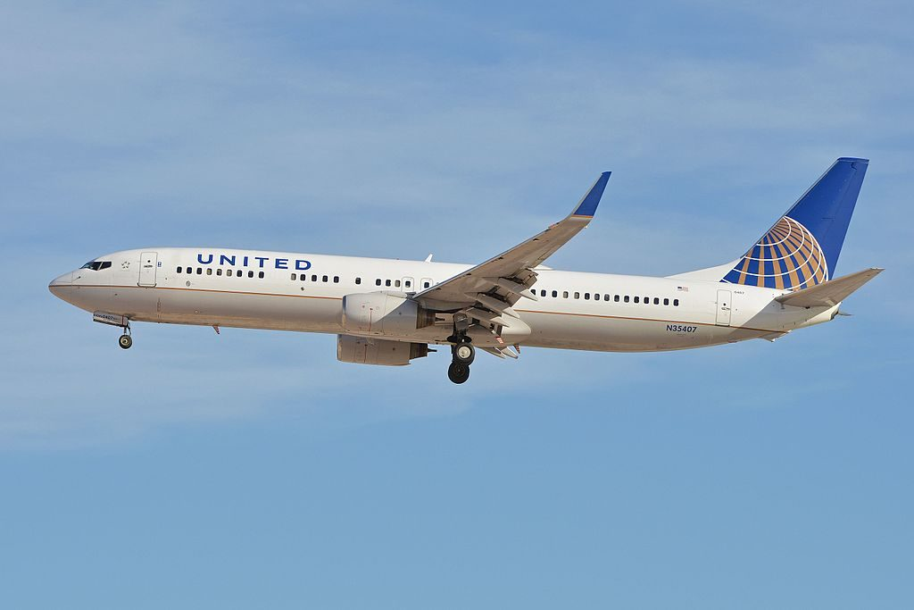 Boeing 737-924(w) 'N35407' United Airlines c:n 30124, l:n 951. Built 2001. Seen arriving on flight UAL1256 from Cleveland. McCarran International Airport, Las Vegas, NV, USA