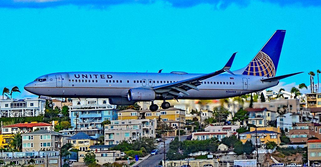 N36444 United Airlines Fleet Boeing 737-924(ER) serial 31643 - 3417 on final approach before landing at San Diego International Airport (IATA- SAN, ICAO- KSAN, FAA LID- SAN)