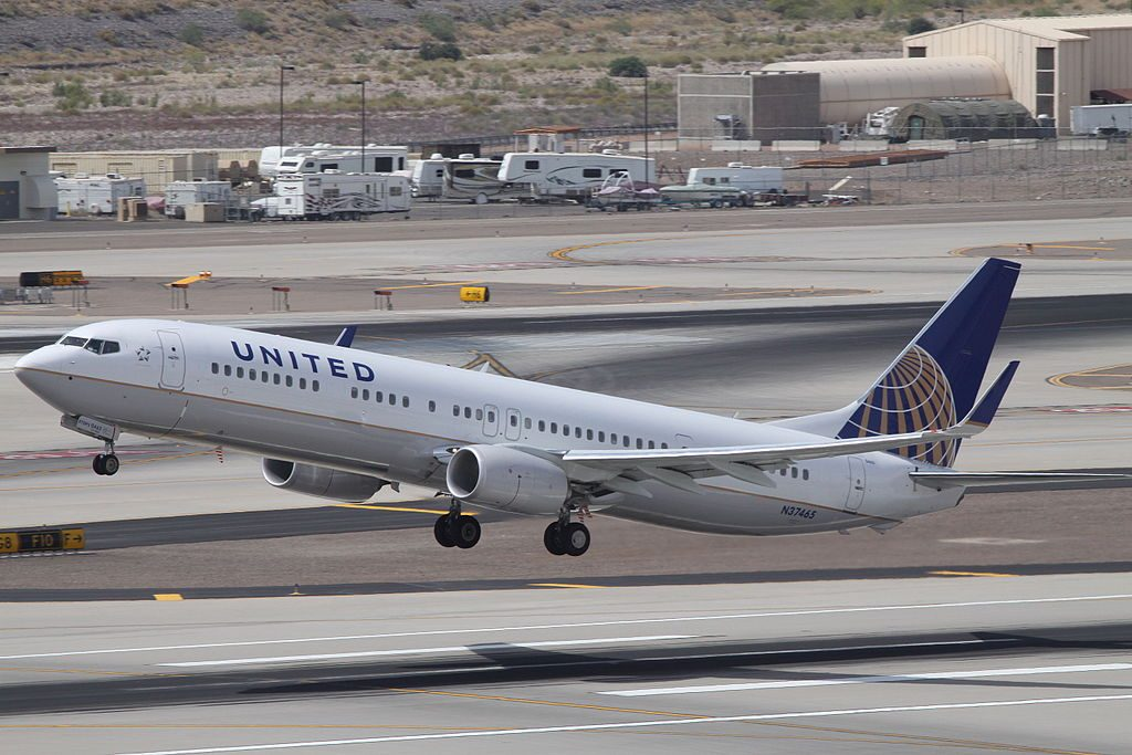 N37465 United Airlines Fleet Boeing 737-924(ER)(WL) at Phoenix Sky Harbor International