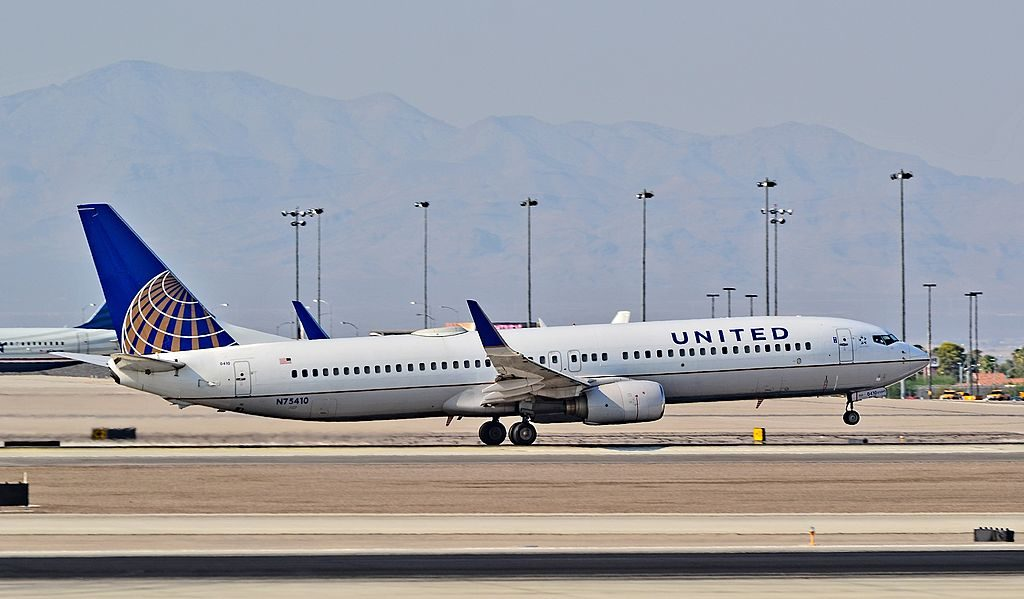 N75410 United Airlines Fleet Boeing 737-924 (cn 30127-1021) landing and takeoff at Las Vegas - McCarran International Airport (LAS : KLAS) USA - Nevada