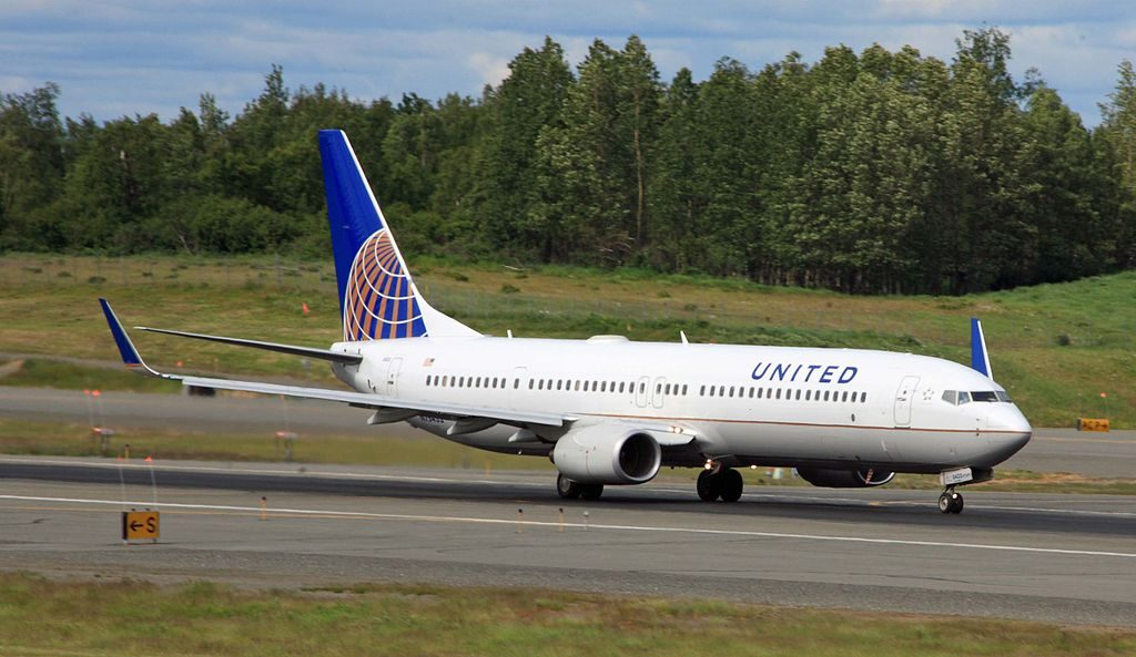 N75433 United Airlines Fleet Boeing 737-924(ER)(WL) taking off from ANC Ted Stevens Anchorage International Airport