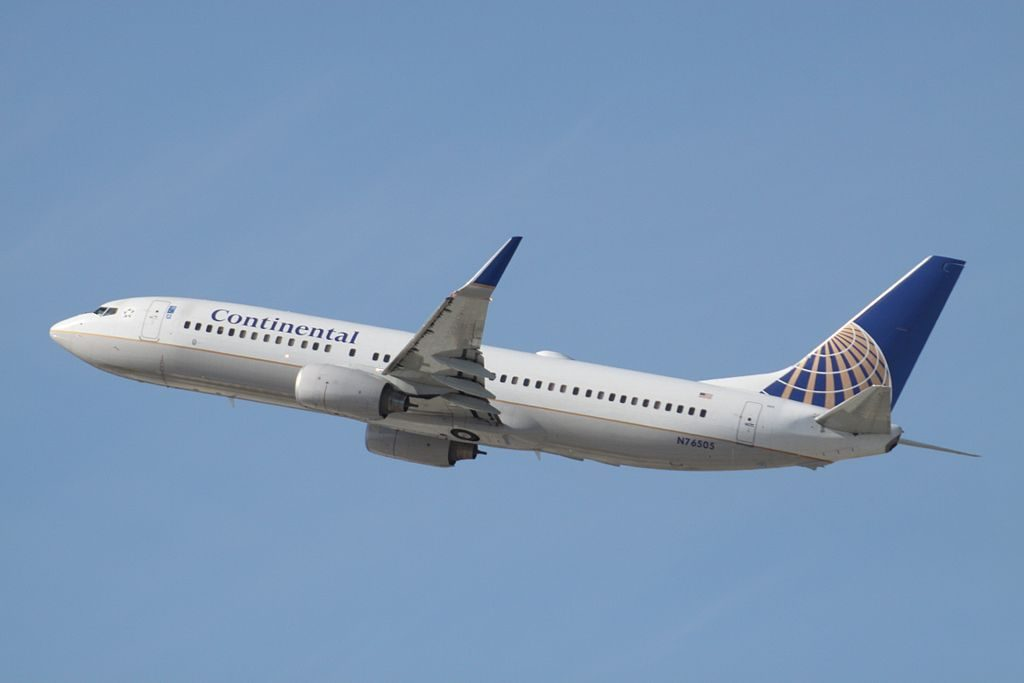 N76505 Boeing B.737-800 Continental (United Airlines Fleet) at Los Angeles International
