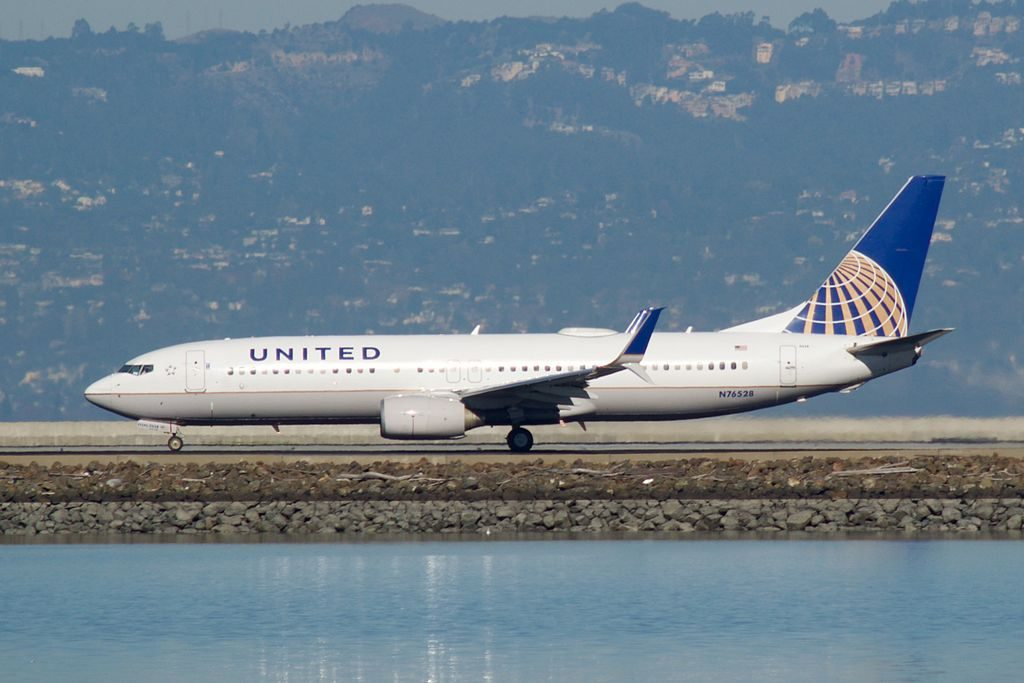 United Airlines Aircraft Fleet Boeing 737-824(WL), N76528 at San Francisco International Airport