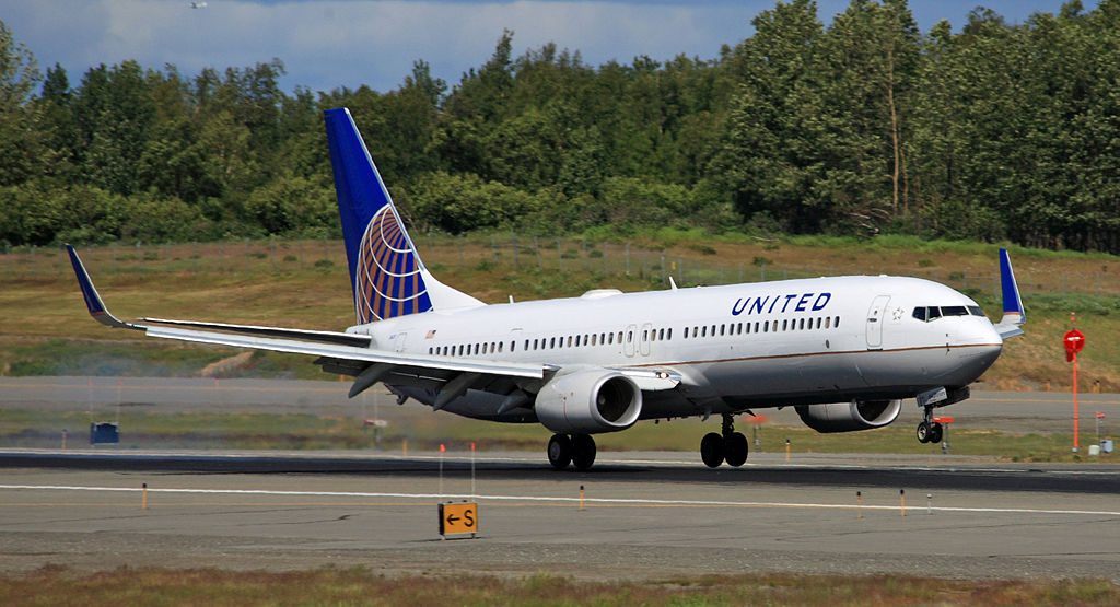 United Airlines Aircraft Fleet Boeing 737-924(ER)(WL) with registration N77431 touching down at ANC Ted Stevens Anchorage International Airport