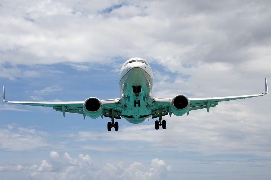 United Airlines Aircraft Fleet N27724 (ex Continental Airlines) Boeing 737-724 winglets cn:serial number- 28791:283 final approach at Philipsburg : St. Maarten - Princess Juliana (SXM : TNCM), St. Maarten