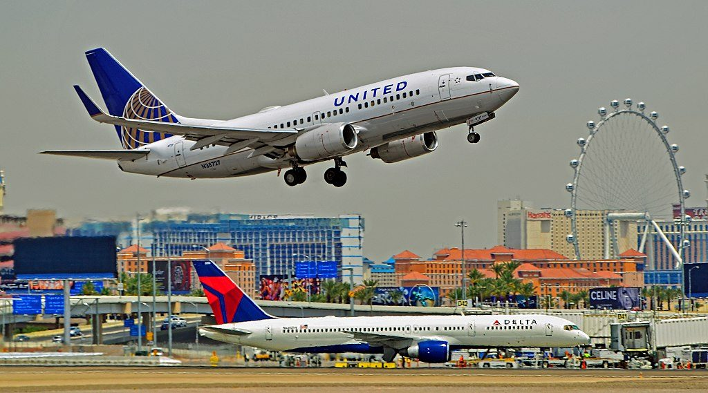 United Airlines Aircraft Fleet N38727 (ex Continental Airlines) Boeing 737-724 winglets cn:serial number- 28797:317 departure Las Vegas - McCarran International Airport (LAS : KLAS) USA - Nevada