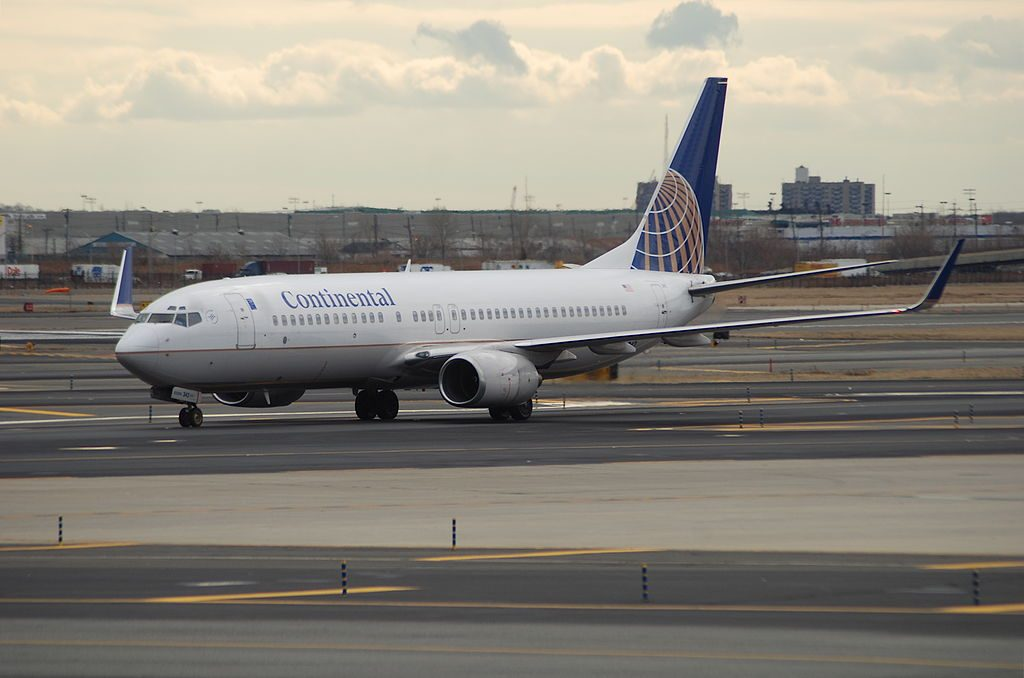 United Airlines Aircraft Fleet (ex Continental Airlines) Boeing 737-800 N14242 @EWR Newark Liberty International Airport