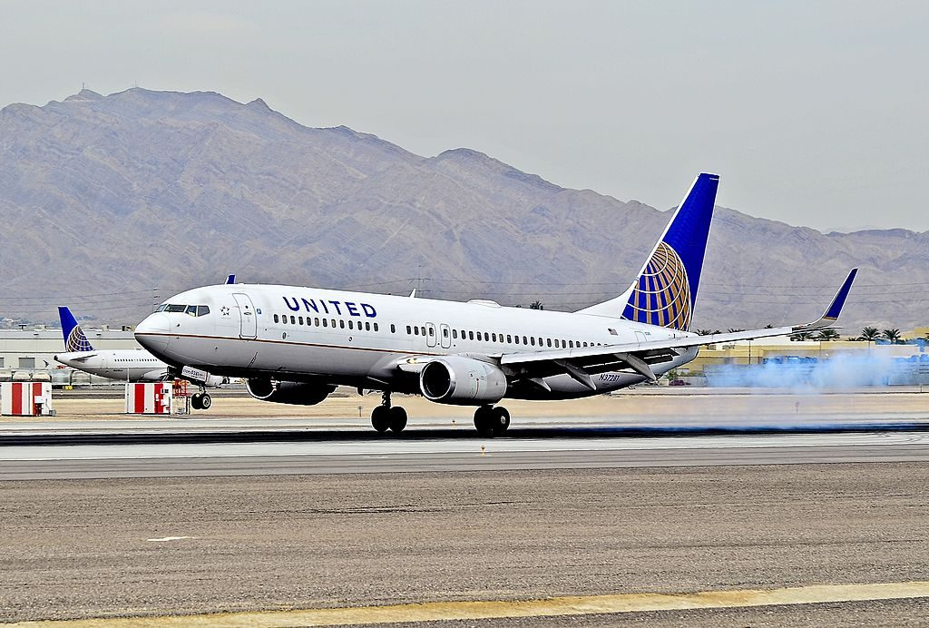 United Airlines Boeing 737-824 N37281 cn 31599 landing at Las Vegas - McCarran International (LAS : KLAS) USA - Nevada