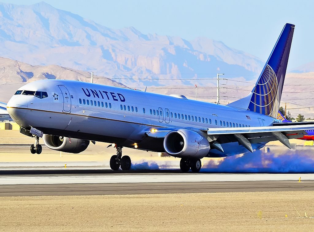 United Airlines Boeing 737-924-ER N53442 - 0442 (cn 33536-3027) smoky landing at Las Vegas - McCarran International (LAS : KLAS) USA - Nevada