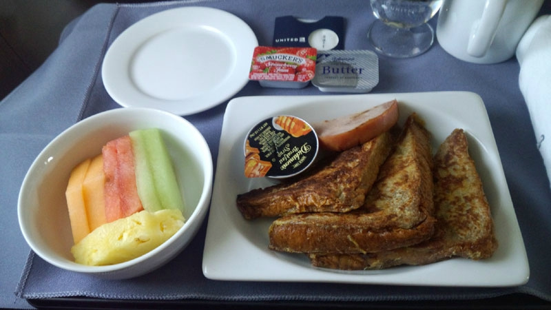 United Airlines Fleet Boeing 737-700 Inflight Amenities Breakfast Menu Services