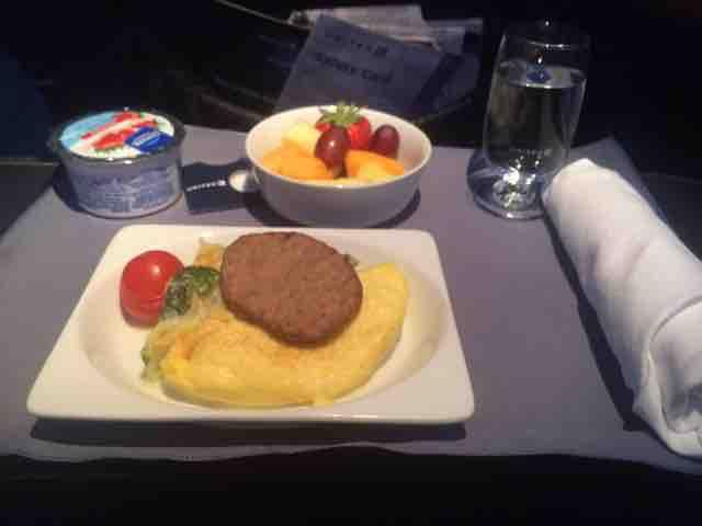 United Airlines Fleet Boeing 737-700 Inflight Amenities Breakfast:Dinner Meal Menu Services
