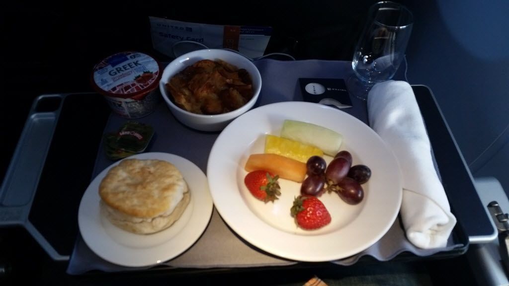 United Airlines Fleet Boeing 737-800 First Class:Business Class:United First Inflight Amenities Meal:Breakfast Menu Strata and Fruits