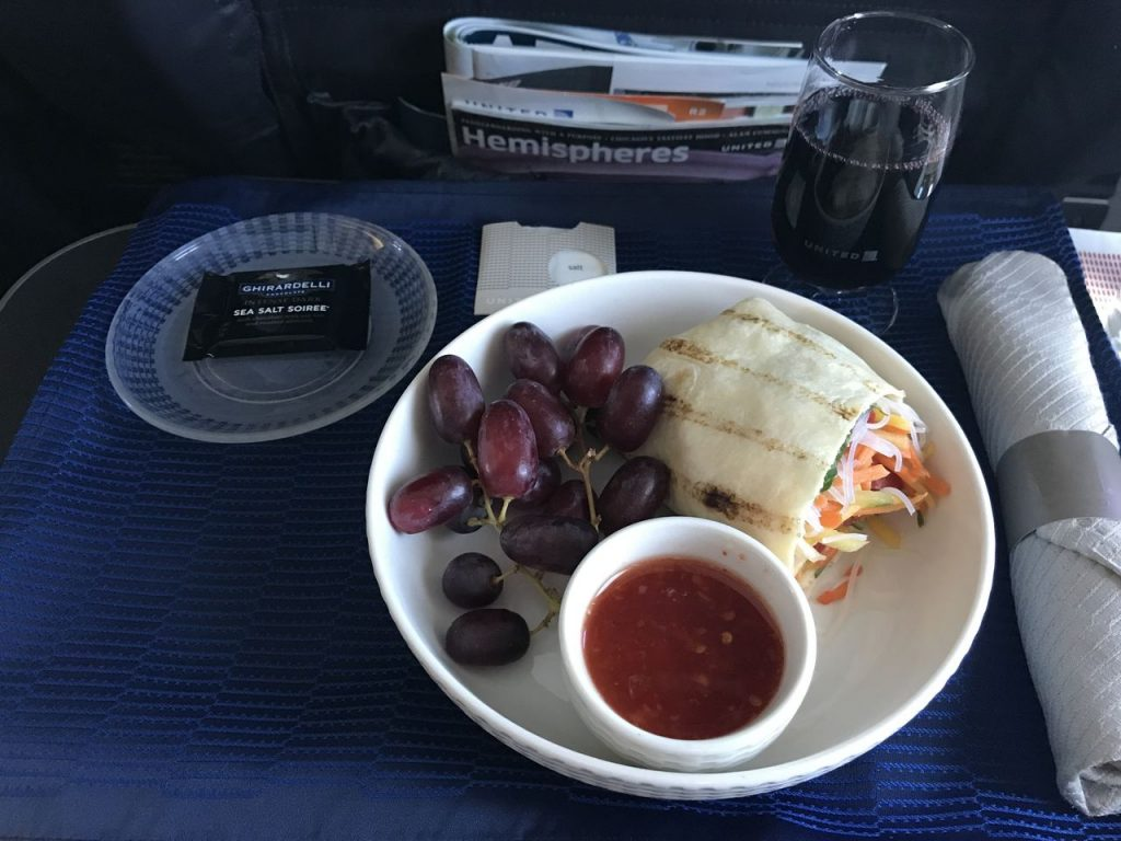 United Airlines Fleet Boeing 737-800 First Class:Business Class:United First Inflight Amenities Meal:Lunch Service Wrap Menu