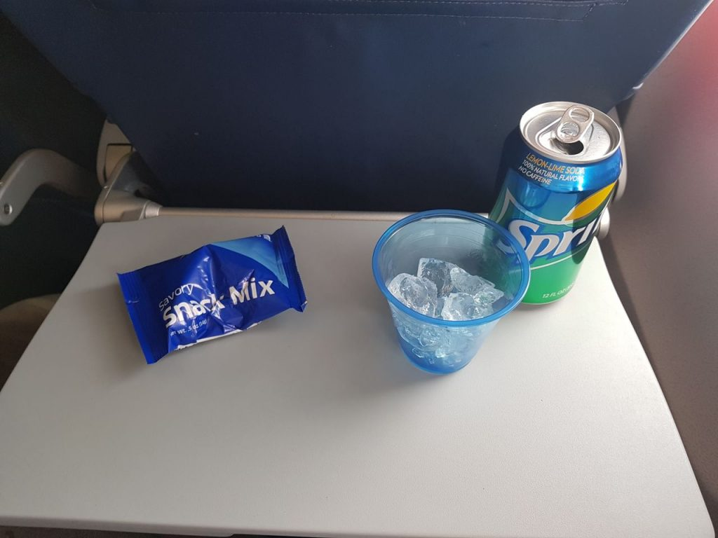United Airlines Fleet Boeing 737-800 Main Cabin Economy Class Inflight Drinks and Snacks Services
