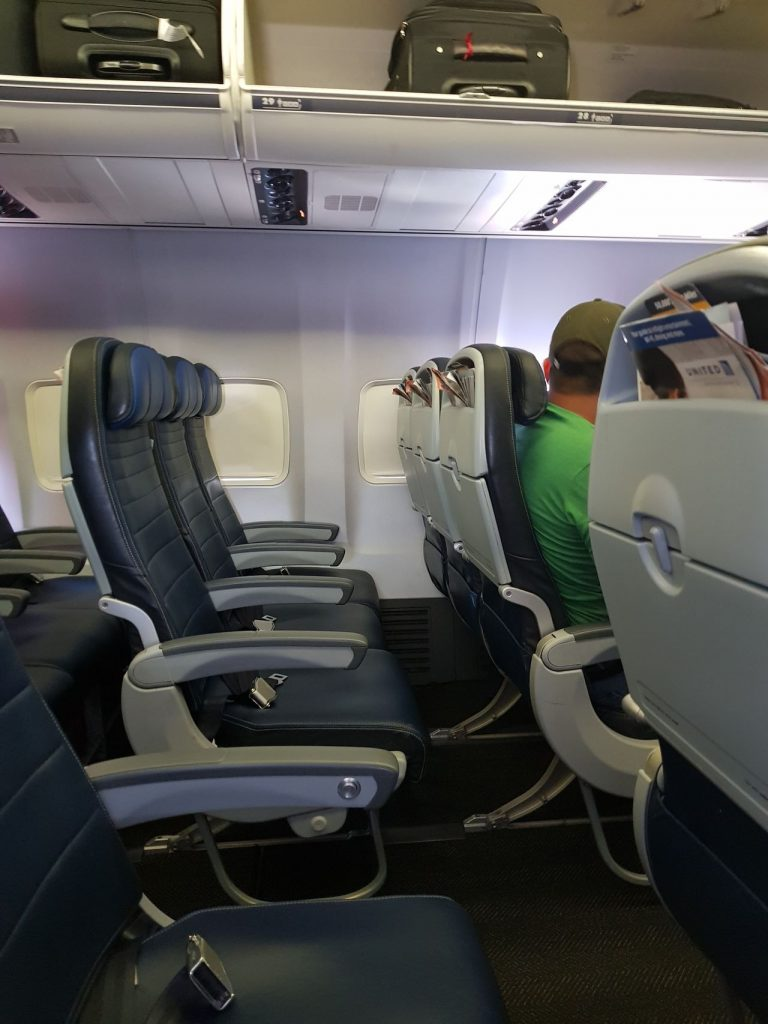 United Airlines Fleet Boeing 737-800 Main Cabin Economy Class Seats Row Photos