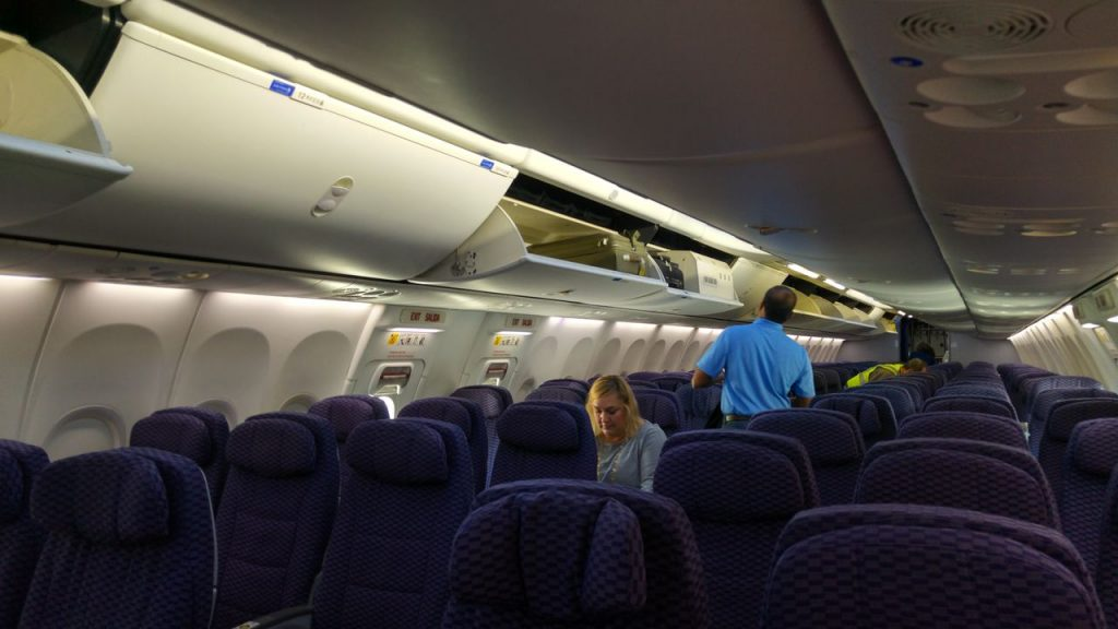 United Airlines Fleet Boeing 737-800 Premium Eco:Economy Fresh Cabin Configuration and Seats Layout Photos