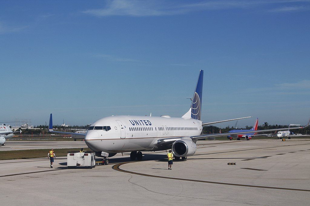 United Airlines Fleet Boeing 737-824(WL) N38257 pushed back by tug at Fort Lauderdale–Hollywood International Airport