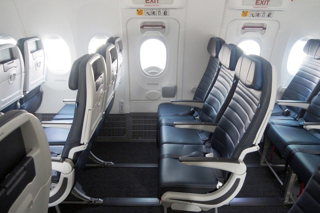 United-Airlines-Fleet-Boeing-737-Max-9-N67501-Aircraft-Most-Economy-Plus-seats-offer-34-inches-of-pitch.jpg