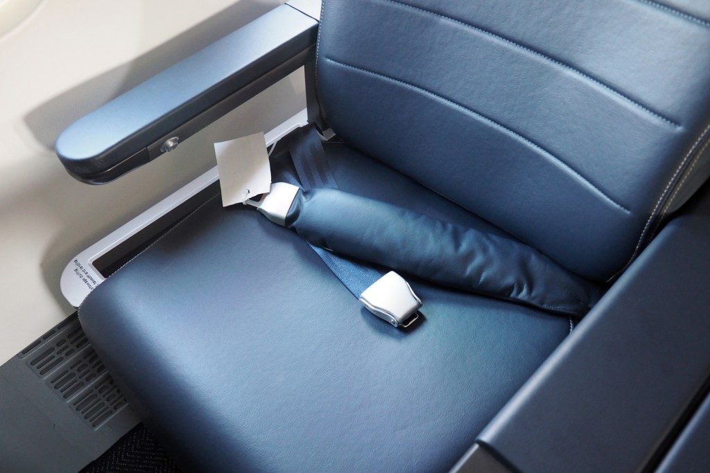 United-Airlines-Fleet-Boeing-737-Max-9-N67501-Aircraft-airbags-at-the-bulkhead-seats.jpg