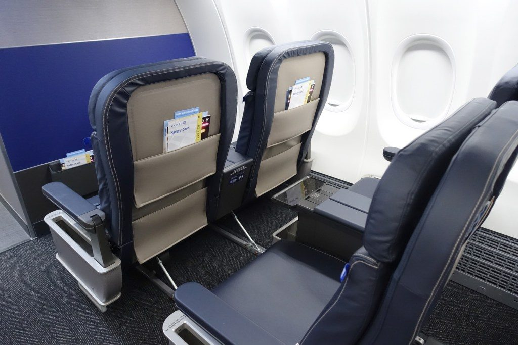 United-Airlines-Fleet-Boeing-737-Max-9-N67501-Aircraft-doesn't-offer-seat-back-screens-—-even-in-first-class.jpg
