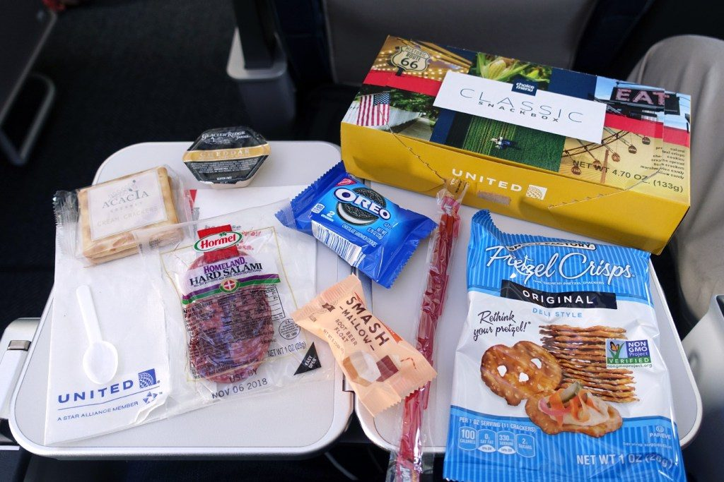 United-Airlines-Fleet-Boeing-737-Max-9-N67501-Aircraft-inflight-amenities-food-and-beverage-Classic-snack-box-which-came-along-with-the-goodies.jpg