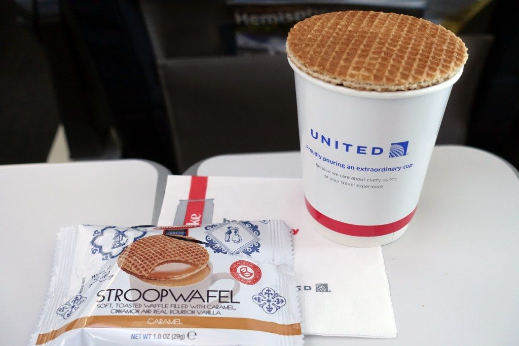 United-Airlines-Fleet-Boeing-737-Max-9-N67501-Aircraft-inflight-amenities-food-and-beverage-stroopwafels-on-all-economy-flights-departing-before-9-45am.jpg