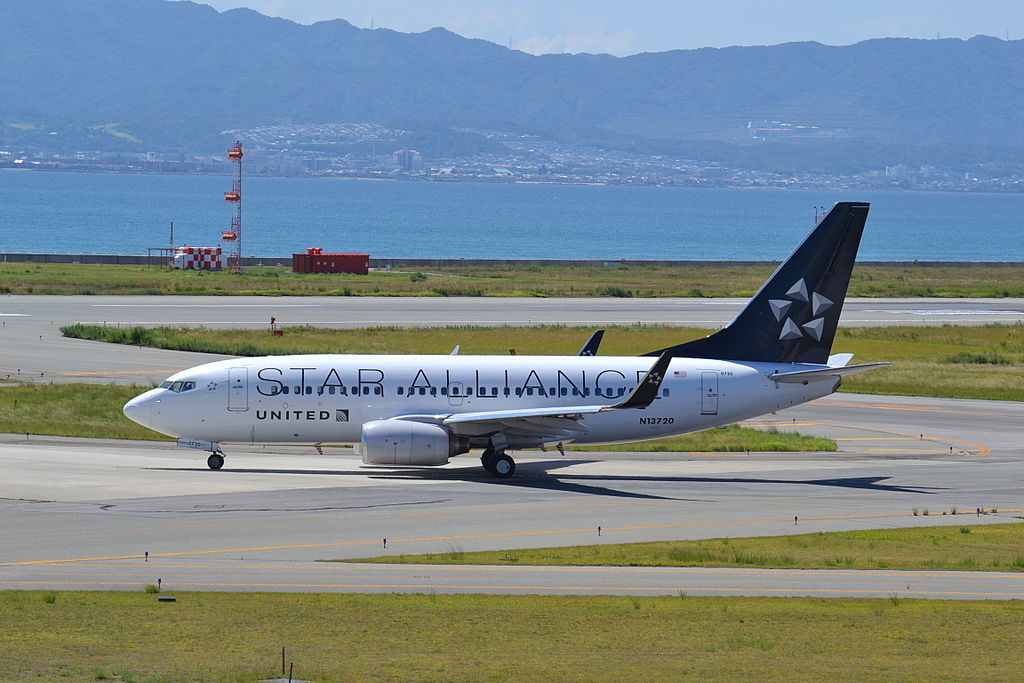 United Airlines Fleet N13720 Boeing 737-724 cn:serial number- 28939:214 in Star Alliance Livery Colors at Osaka Kansai - KIX, Japan, 27:08:13