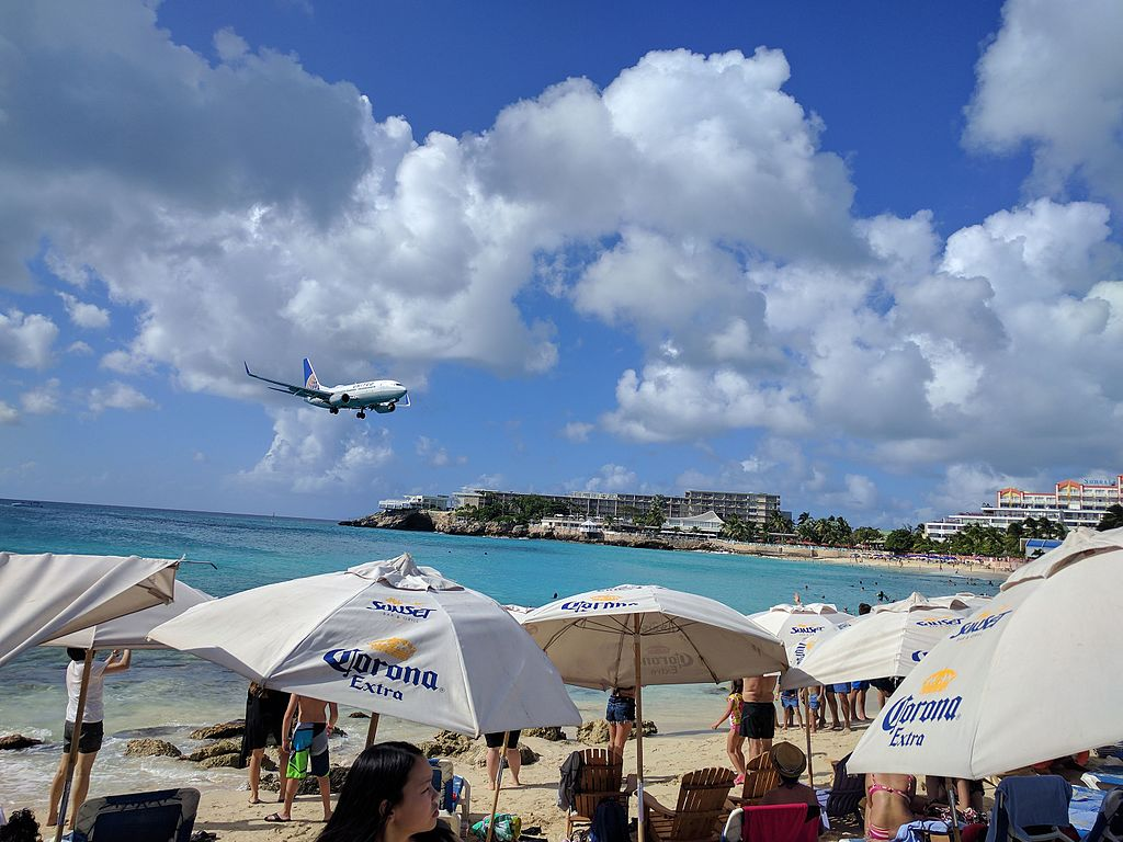 United Airlines Fleet N17753 (ex Copa Airlines) Boeing 737-7V3 cn:serial number- 30463:1221 on short final before landing at Princess Juliana International Airport (IATA- SXM, ICAO- TNCM)