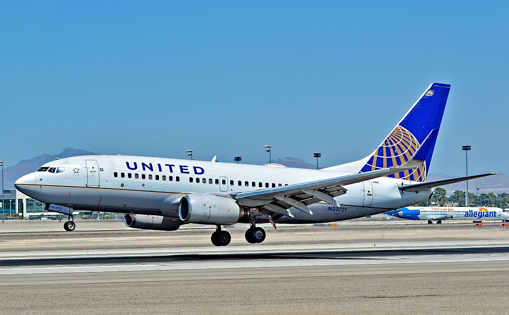 United Airlines Fleet N23721 (ex Continental Airlines) Boeing 737-724 cn:serial number- 28940:219 landing and takeoff at Las Vegas - McCarran International Airport (LAS : KLAS) USA - Nevada