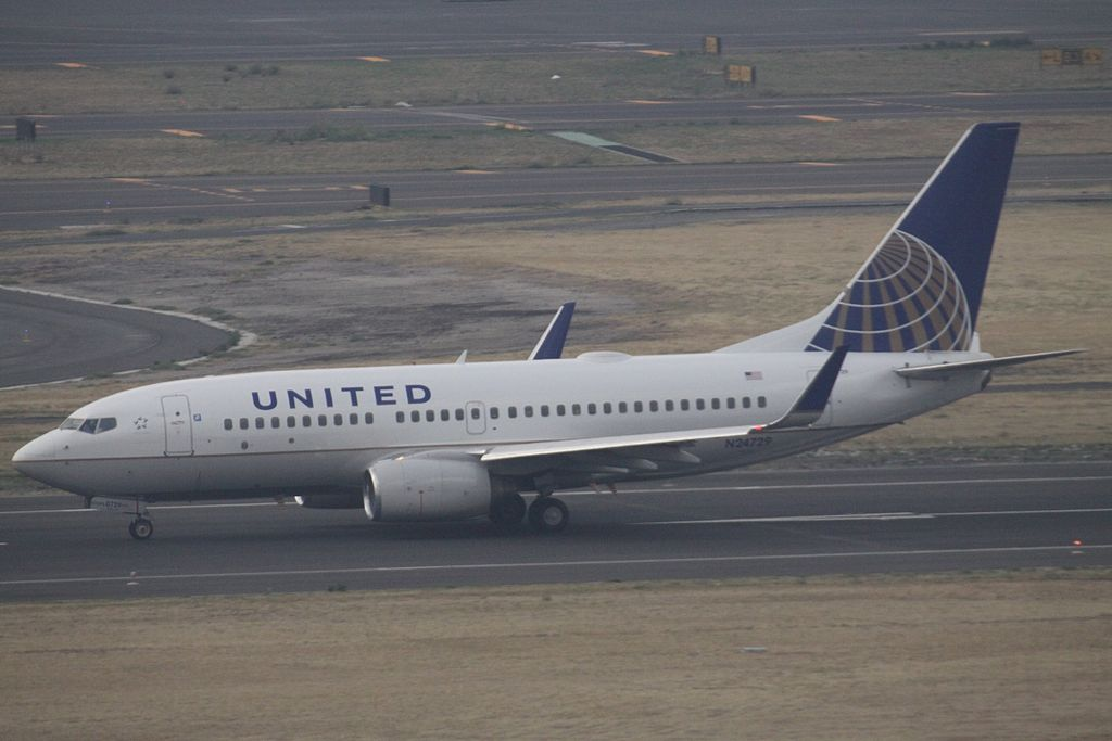 United Airlines Fleet N24729 (ex Continental Airlines) Boeing 737-724 cn:serial number- 28945:325 At Mexico City International Airport