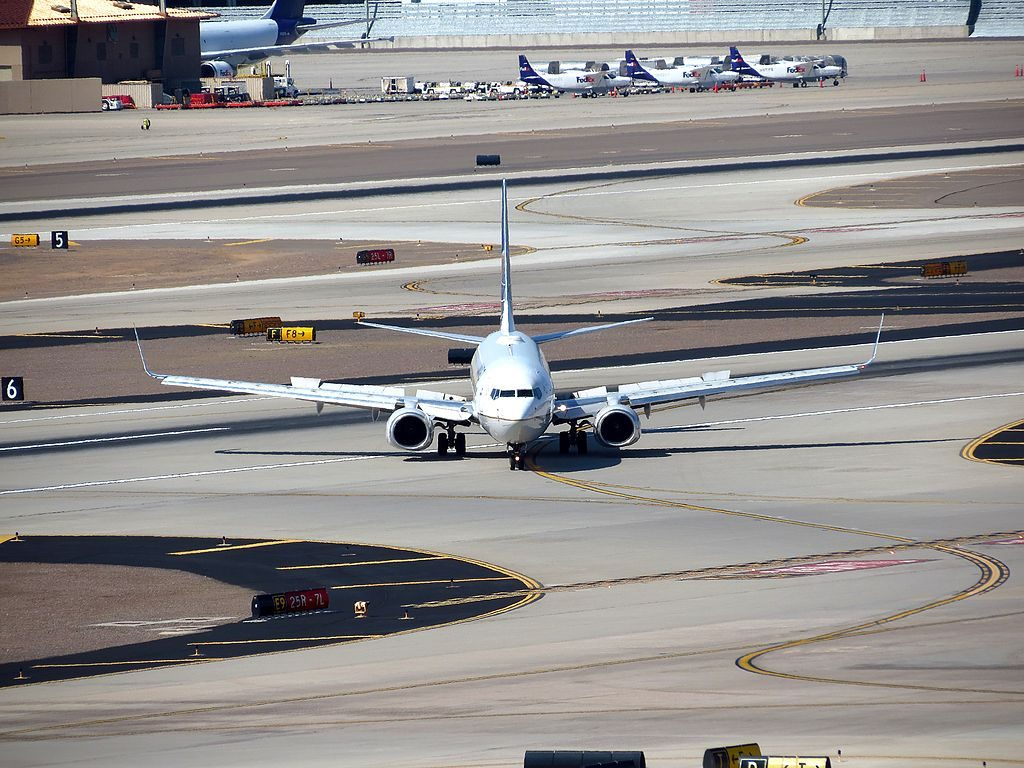 United Airlines Fleet N33286 (ex-Continental) Boeing 737-824 cn:serial number- 31600:1506 taxiing at Phoenix Sky Harbor International Airport