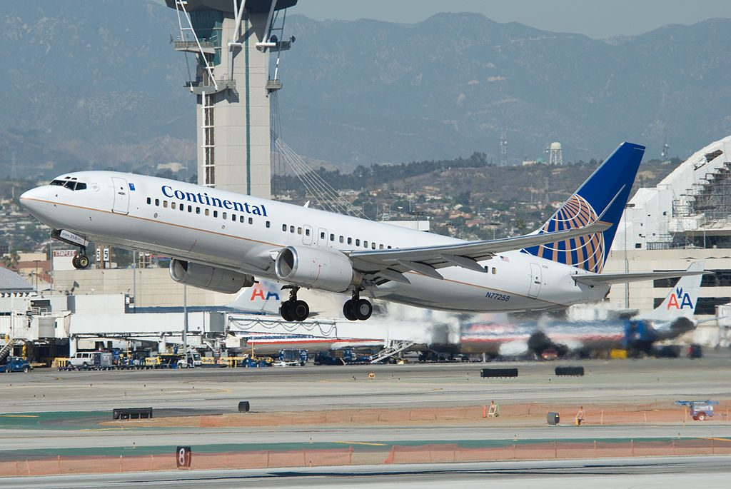 United Airlines Fleet (ex-Continental Airlines) Boeing 737-800 taking off from Los Angeles for Houston