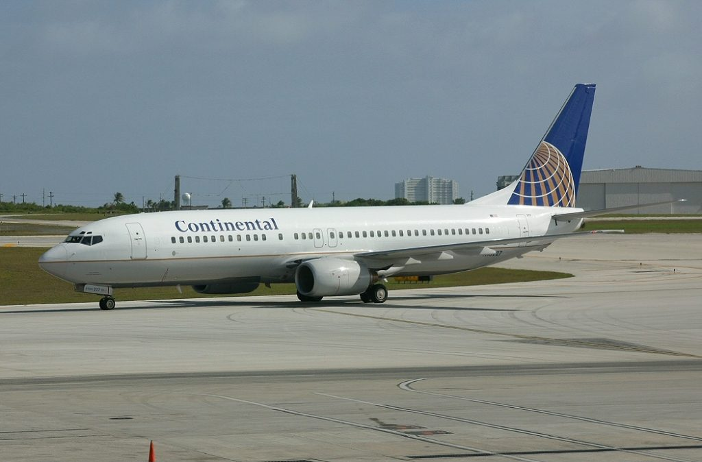 United Airlines Fleet (ex Continental Airlines) Boeing 737-824 N13227 at Antonio B. Won Pat International Airport