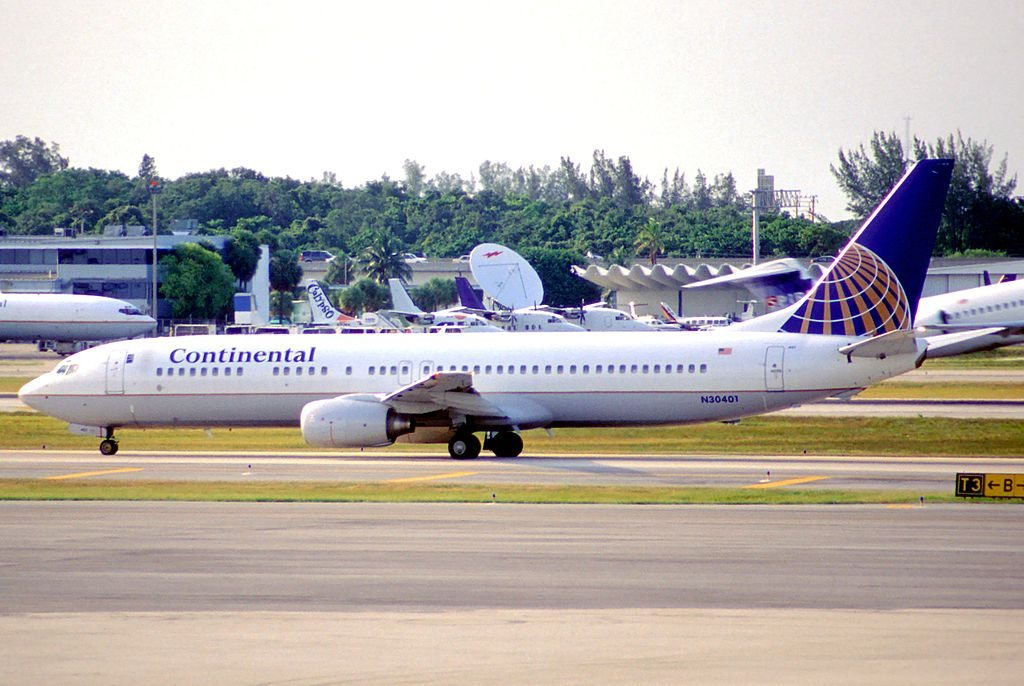 United Airlines Fleet (ex-Continental Airlines) Boeing 737-924 N30401 taxiing at FLL Fort Lauderdale–Hollywood International Airport