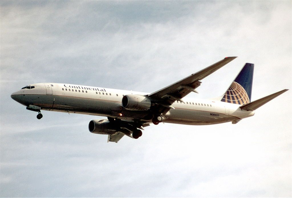 United Airlines Fleet (ex-Continental Airlines) Boeing 737-924 N38403 on Final Approach at LAS Airport
