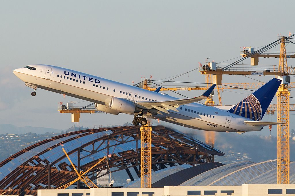 United Airlines Fleet (ex-Continental) Boeing 737-924ER N37422 Departing LAX