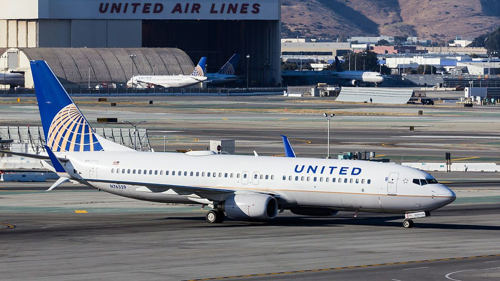 United Airlines - N76529 - Boeing 737-824 - San Francisco International Airport