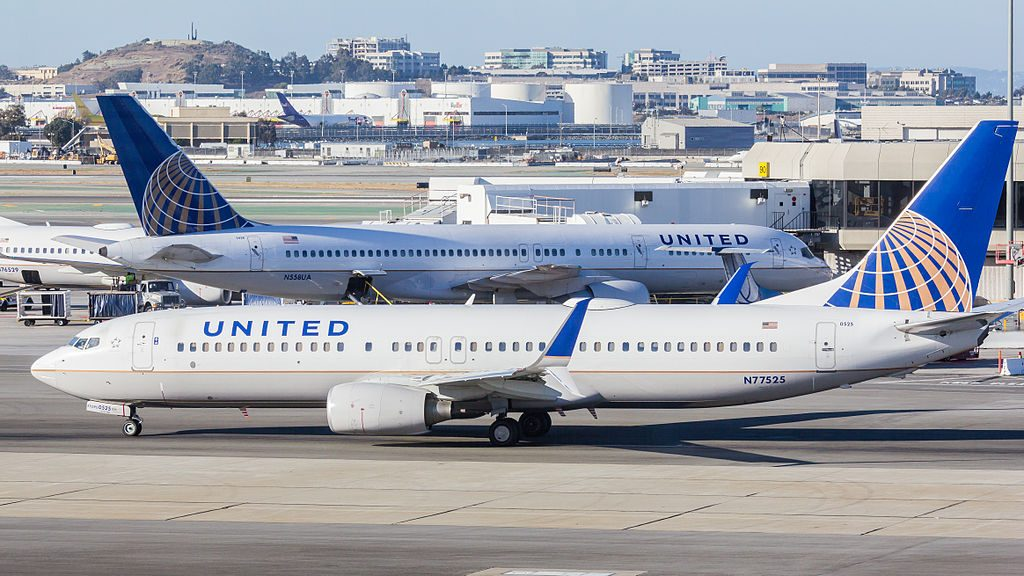 United Airlines - N77525 - Boeing 737-824 - San Francisco International Airport