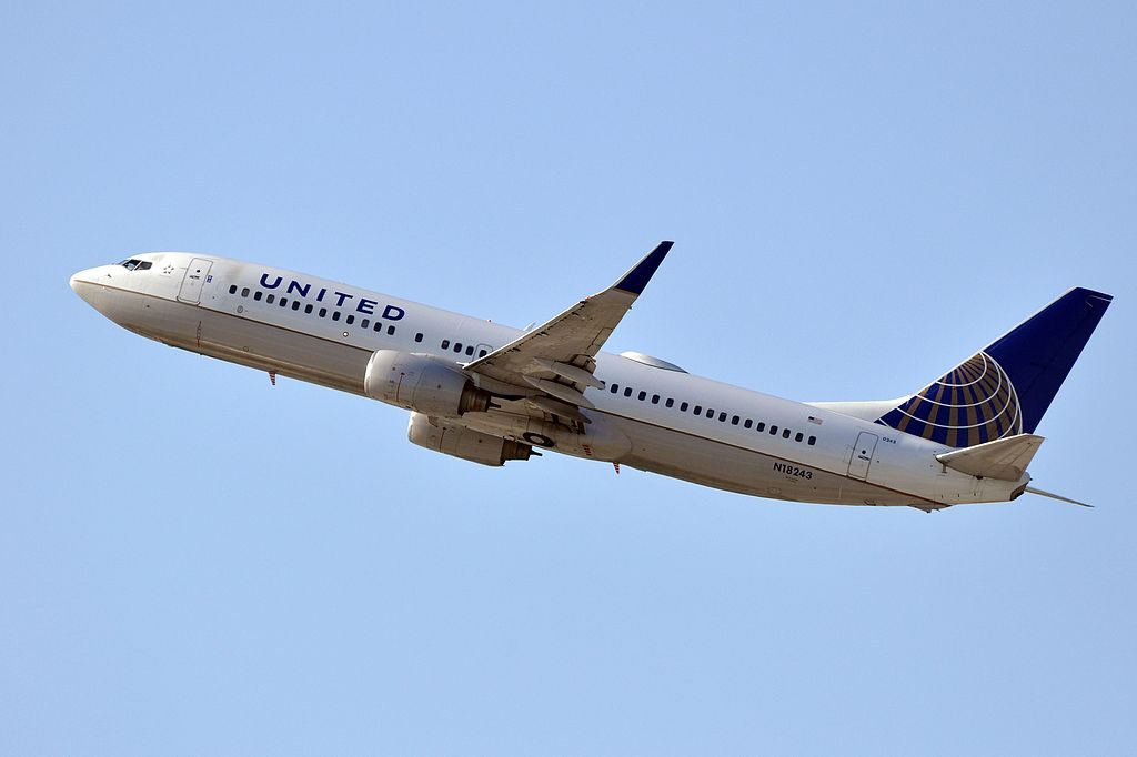 United Airlines Narrow Body Aircraft Boeing 737-824(WL) (ex-Continental) N18243 departure LAX