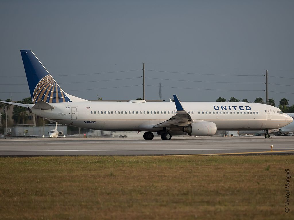 United Airlines Narrow Body Aircraft N38403 (ex-Continental Airlines) Boeing 737-900 spotting at Miami International Airport