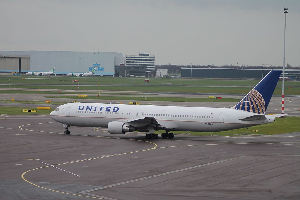 Boeing 767 322ER cnserial number 25390457 United Airlines Widebody Aicraft Fleet N652UA at Amsterdam Airport Schiphol IATA AMS ICAO EHAM