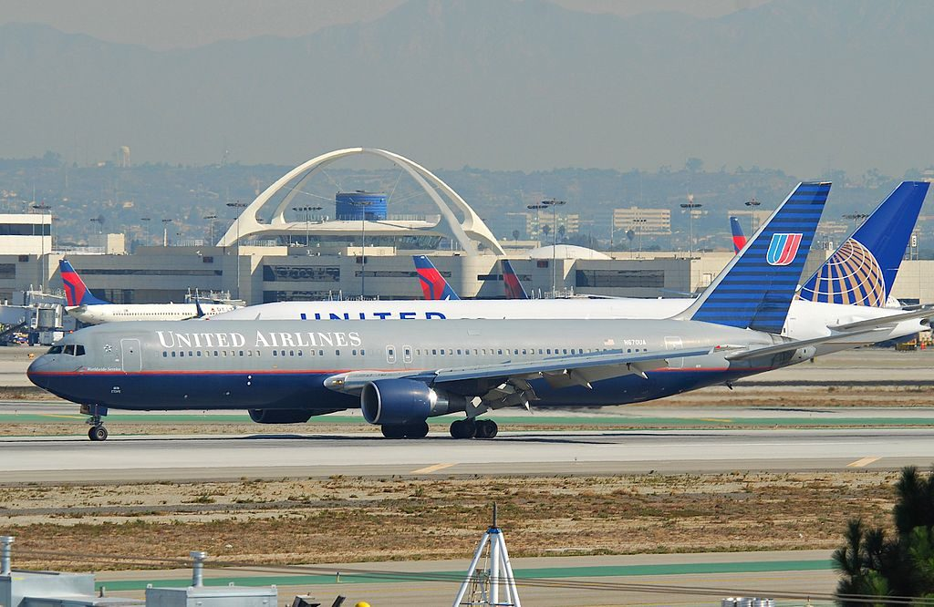 Boeing 767 322ER cnserial number 29240763 United Airlines N670UA battleship grey livery colors at LAX Airport