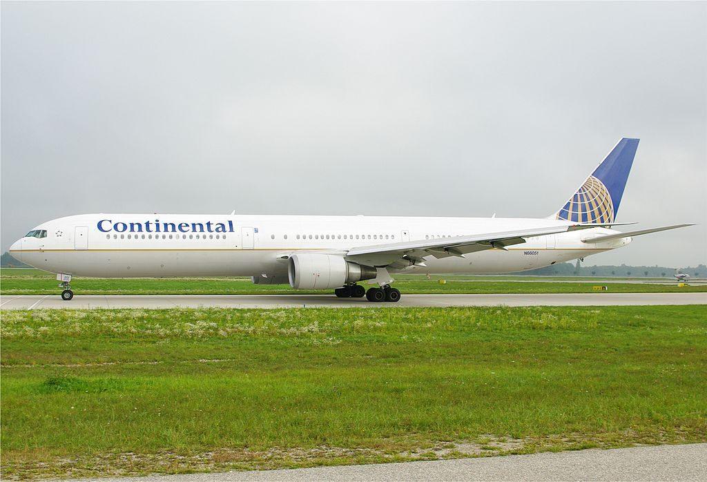Boeing 767 424ER cnserial number 29446799 United Airlines Fleet N66051 ex Continental at Munich Airport IATA MUC ICAO EDDM Flughafen München