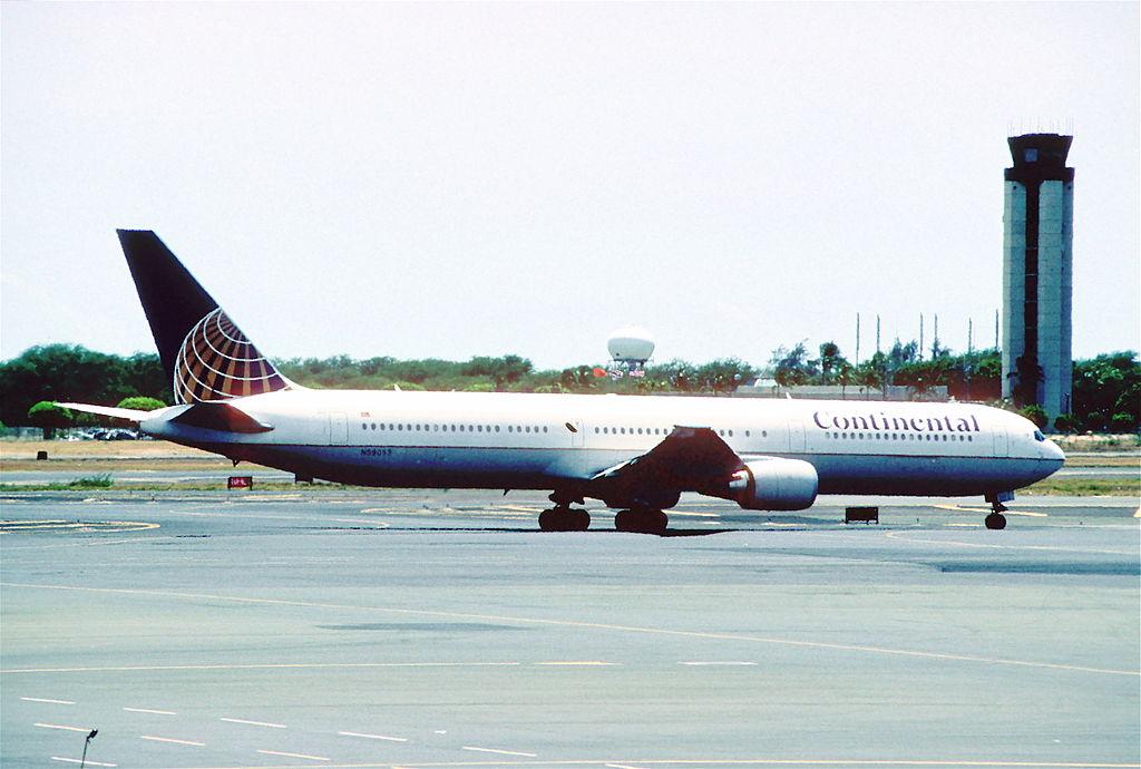 Boeing 767 424ER cnserial number 29448809 United Airlines Fleet N59053 ex Continental at Daniel K. Inouye International Airport