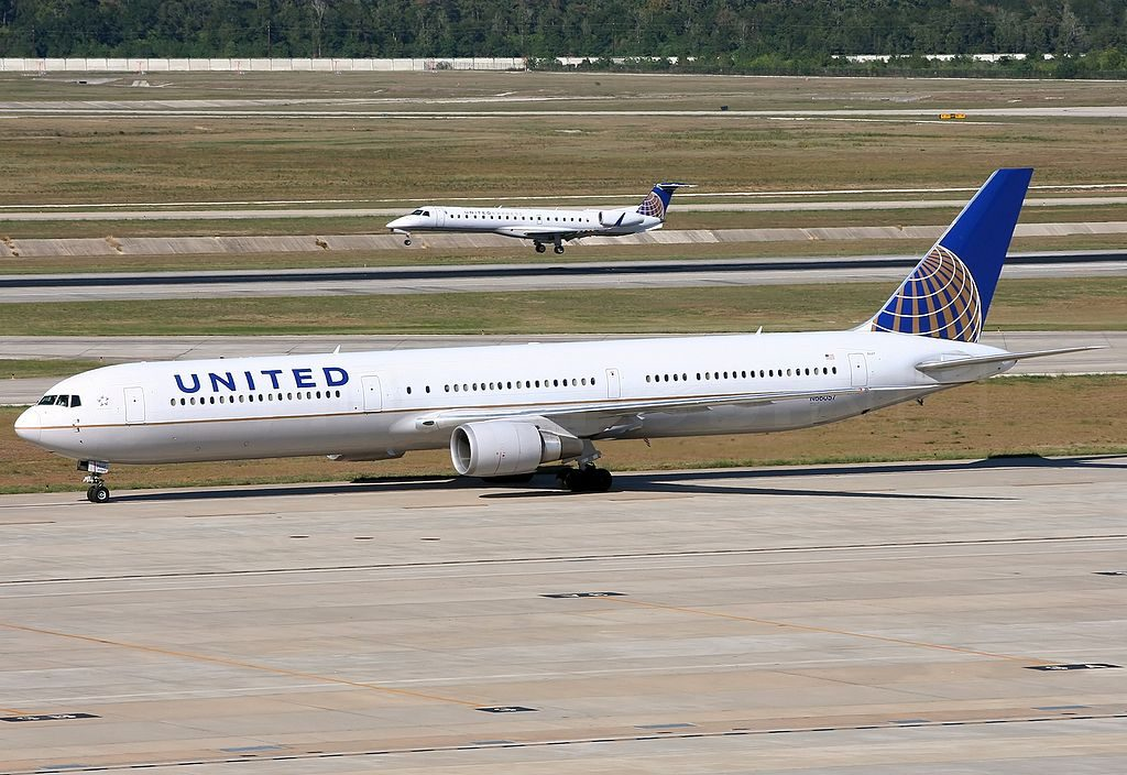 Boeing 767 424ER cnserial number 29452859 United Airlines Fleet N66057 ex Continental at Houston George Bush Intercontinental Airport KIAH USA Texas
